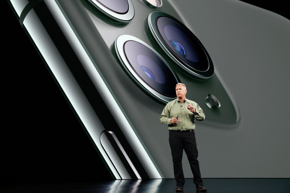 Apple_Keynote-Event_Phil-Schiller-iPhone-11-Pro_091019.jpg